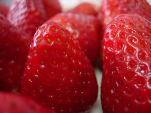 sevani-organic-strawberries-300x224